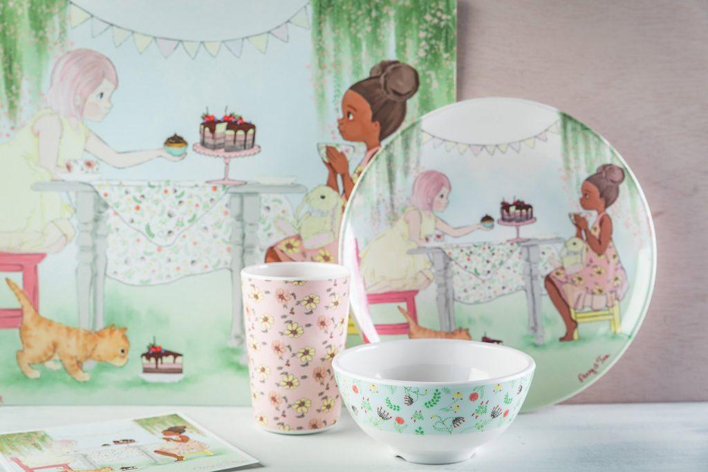 קערה פני ולואיזה - מסיבת תה